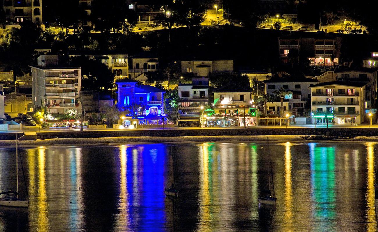 Puerto de Sóller Uferpromenade bei Nacht