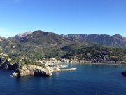 Puerto de Sóller Hafeneinfahrt aus der Luft