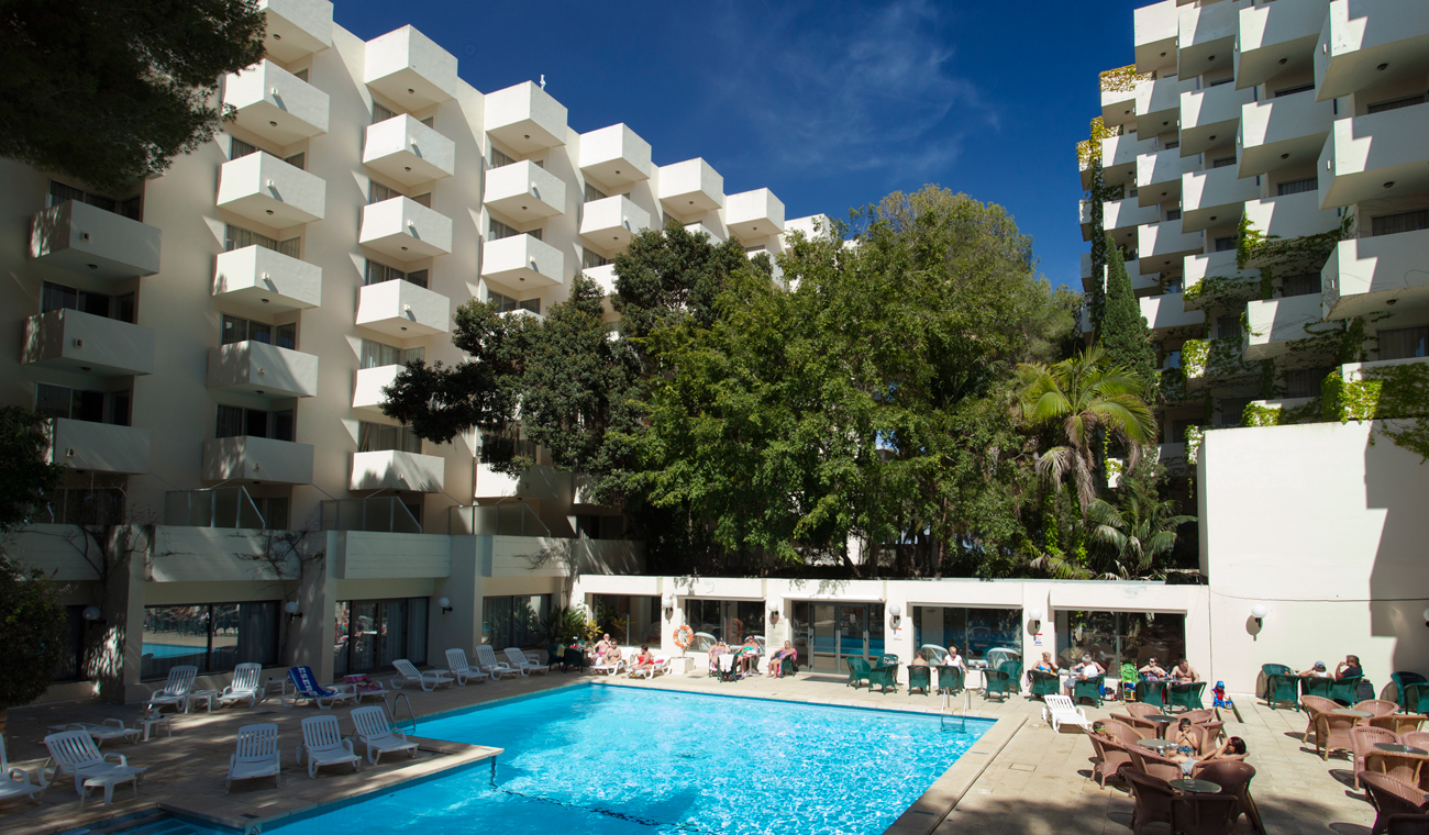 400 Urlauber ohne Strom und Wasser im Hotel - Das Magazin www.mallorca-ok.de®