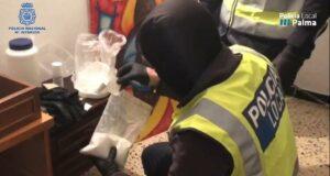 Polizei zerschlägt Drogenring